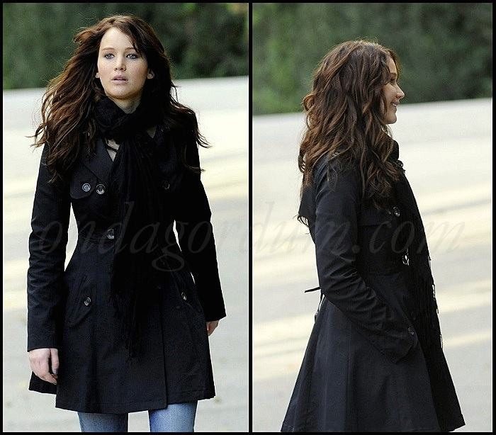 ondagordum_silver_linings_playbook_tiffany_BEBE_trenchcoat1